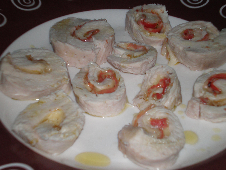 Рулетики с сыром и беконом рецепт